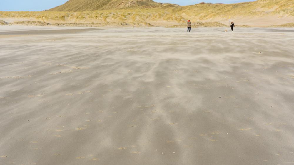 zandstorm strand Hargen aan zee