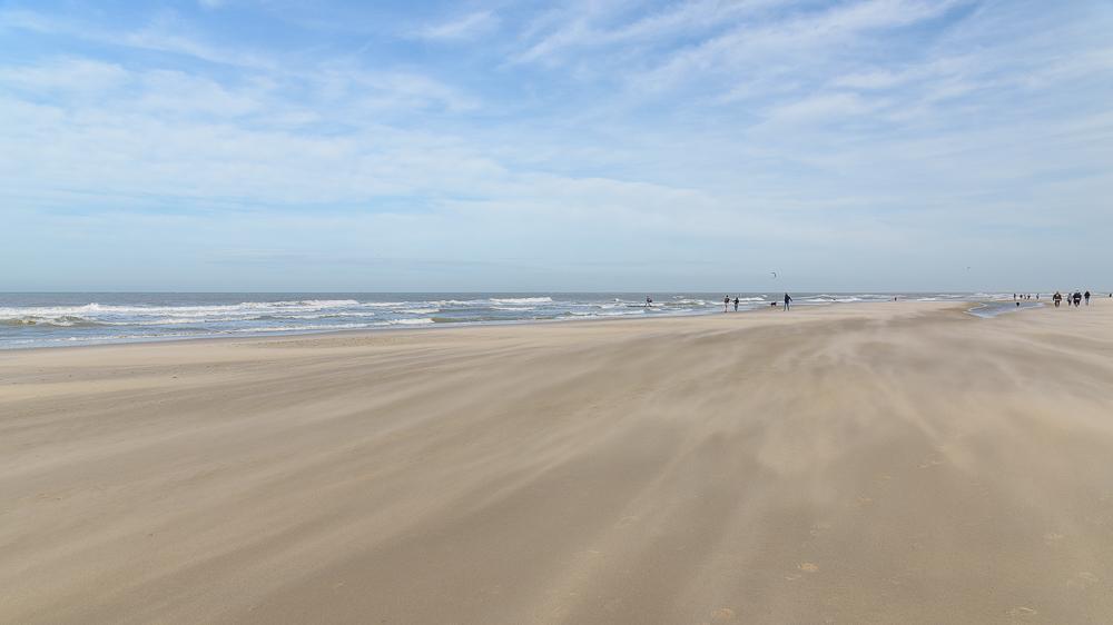 Texel's strand stuivend zand