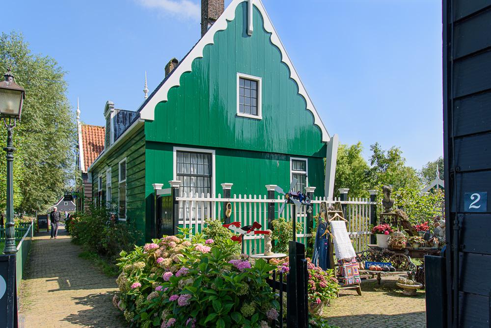 Woonhuis in Zaans groen op de Zaanse schans